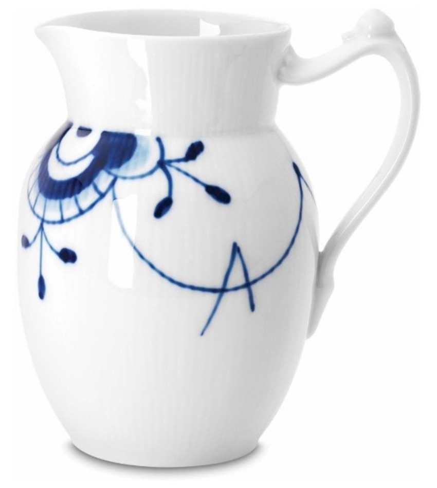 RC2381442 - Blue Fluted Mega Pitcher
